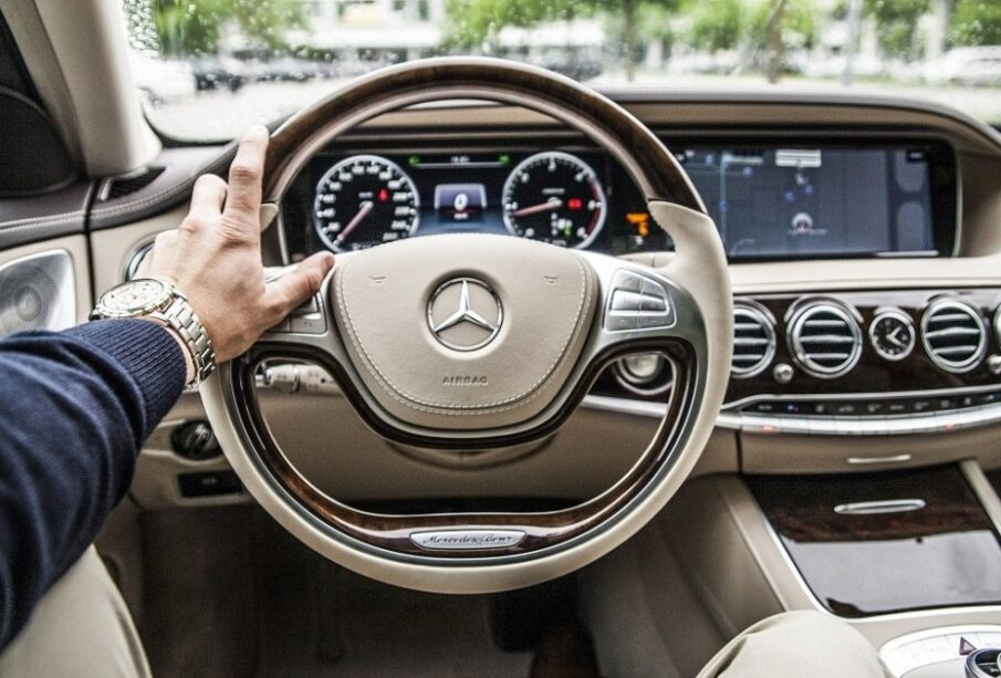 Can you drive? Here are three ways you can earn a flexible income